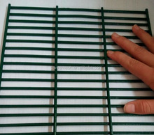 Anti-climb welded wire mesh fence 358 hog wire fence panels (SGS certificated)