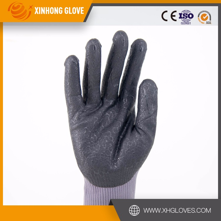 Xinhong EN 388 13g green nylon liner coated nitrile glove /nitrile dots on coating improve grip performance