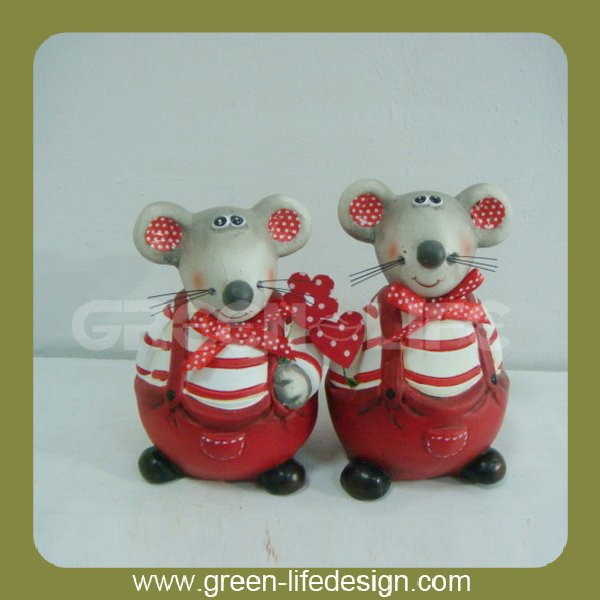 Valentine cartoon design ceramic rat figurine