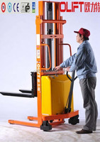 China Hydraulic Straddle Forklift Manual Stacker Semi Electric Stacker