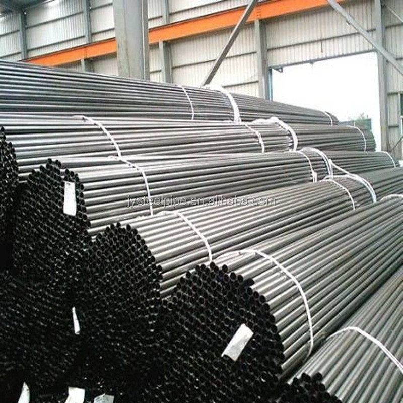ASTM A106 Standard Seamless Carbon Steel Pipe / Steel Tube in Bevelled ends and Plastic caps