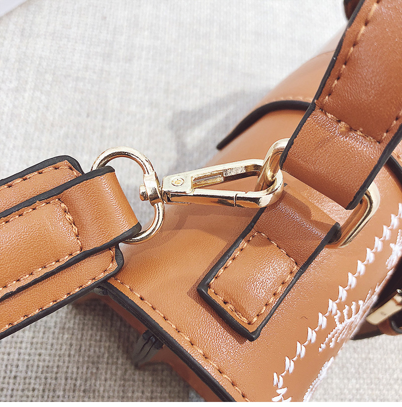 Toposhine Fashion Women Bag Panelled Vintage Flower Girls Bags for Girls Black PU Leather Women Messenger Bags Drop Shipping 17