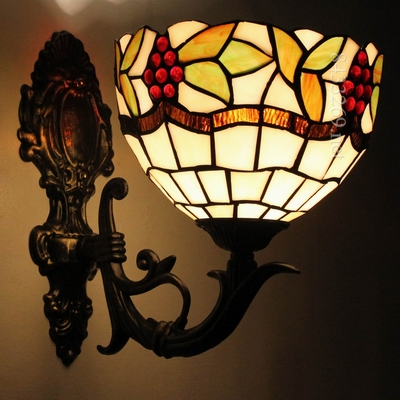 8 inch tiffany wall lamp with beautiful stained glass for wholesale