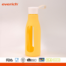 600ml Cheap machine glass water bottle with handle and silicone wrap