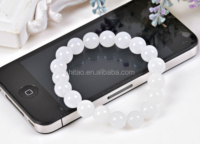 White Color Glass Beaded Stretch Bracelet Wholesale