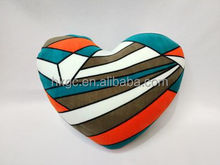 2016 high quality popular heart shape throw pillow for travel or home decoration