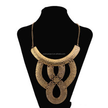 Fashion jewelry gold exaggerate necklace collar made in China