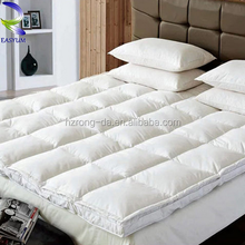 Wholesales China factory fashionable Mattress Protector Waterproof Water Bed Mattress