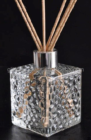 200ml square glass diffuser bottle with reed stick