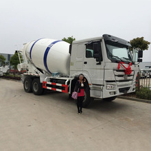 Hot Sale Volumetric Concrete Mixer Drum Truck , Sinotruk Mobile Mixer Truck for Construction Building