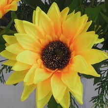 Wholesale Cheap Mini Sunflower Flower Arrangements