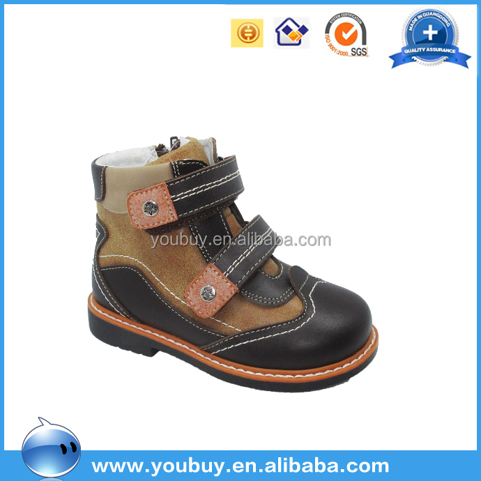 Pretty boots kids shoes brand futsal shoesTPR/leather outsole wholesale in autumn