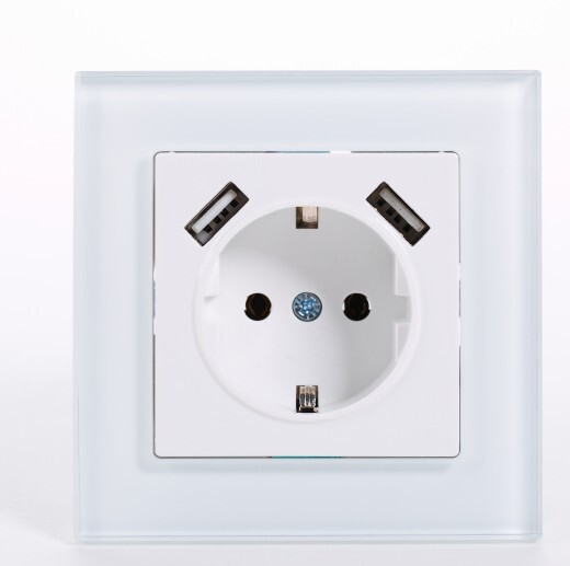 electrical plug with bulb holder