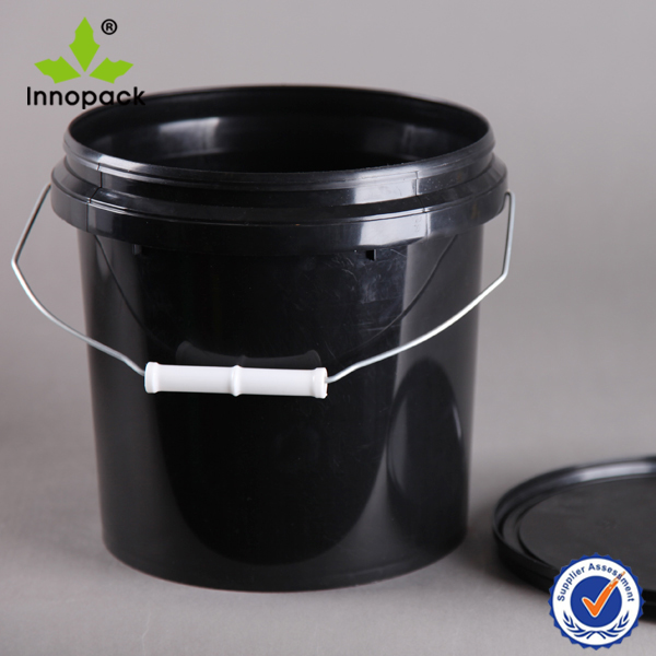 black horse food feed plastic bucket 10 liter with lid for sale