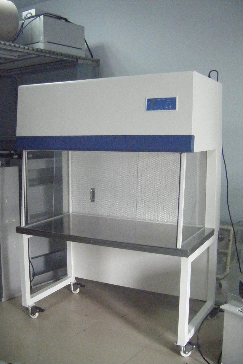 China factory direct sales laminar flow cabinet/clean bech