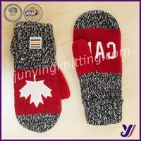 Canada red maple leaf jacquard acrylic winter knit mittens (accept small order)