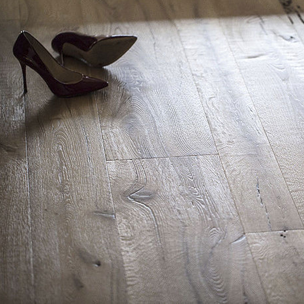 Three-layer <strong>oak</strong> engineering wood flooring