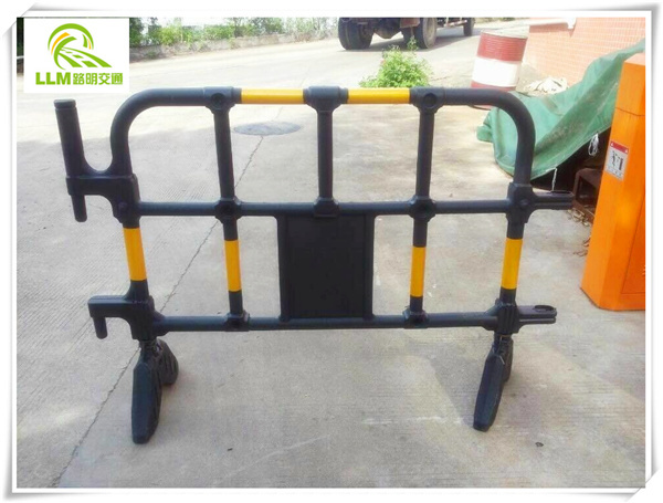 Safety system road barriers galvanized metal temporary pedestrian barricades
