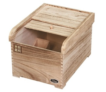 Light Roasting Treatment Retro Style Wooden Rice Box, Solid Wood Rice Bucket