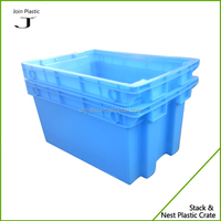 Nestable stackable plastic fish container