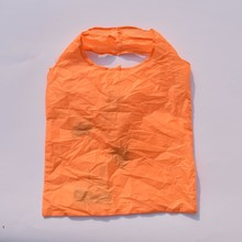 enviromental foldable shopping bag sewing raffia flower folding shopping bag resealable insulated orange nylon shopping bag