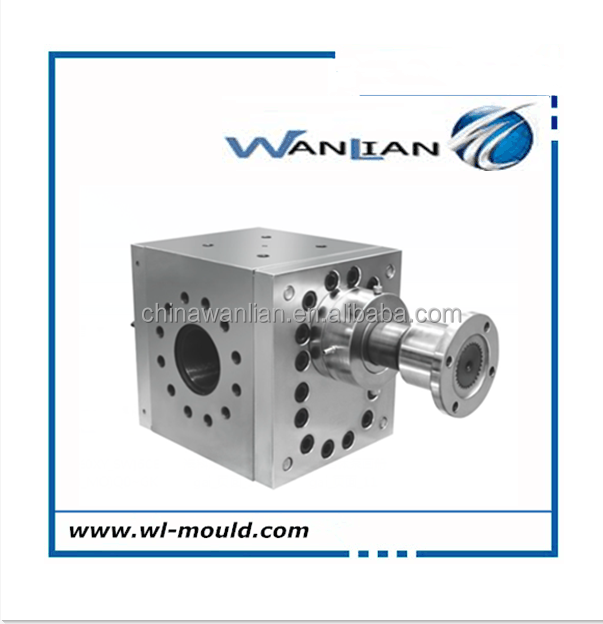 Polymer melt gear pump for plastic sheet extrusion line