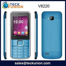 V8220 2.4inch High Quality Smallest Dual Sim Phone Low Price China Mobile Phone