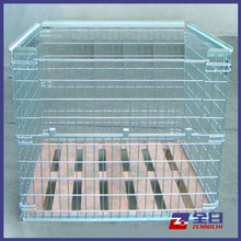Collapsible Wire Mesh Pallet with Built-In Wooden Plate