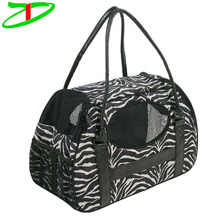 Deluxe Lightweight Fabric Protable Soft Side Pet Carrier Bag For Cat And Dog