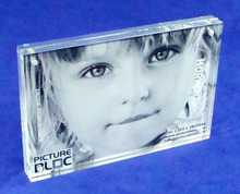 2016 China Manufacturer Clear Acrylic Magnet Photo Frame Block 5x7 Picture Frames