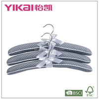 Set of 3pcs soft mesh padded clothes hanger in net painting