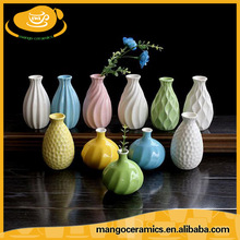 Wholesale cheap small porcelain flower vases made in china