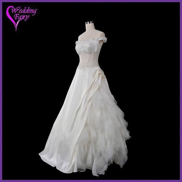 Professional OEM Factory Custom Design very long tail wedding dress