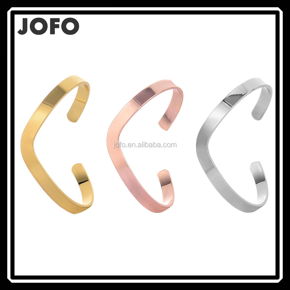 Beautiful Crescent Moon Shape Expandable Brass Cuff Bangle Bracelet Wholesale 18 <strong>K</strong> Gold Plated Bangle