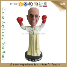 Divertente cruscotto bambolina bobble head figurine papa francesco
