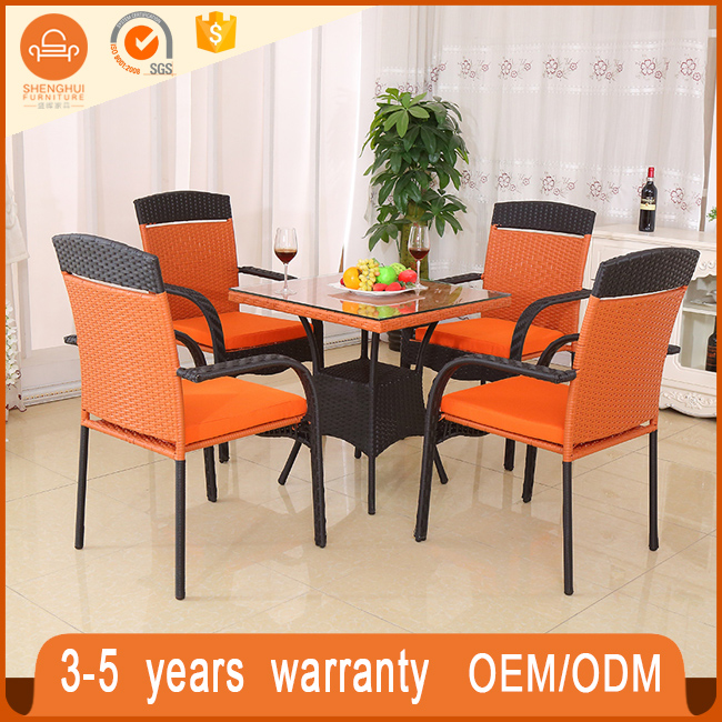 Durable Colorful Vintage Rattan Wicker Patio Outdoor Furniture Set Rattan Bistro Coffee Table And End Tables