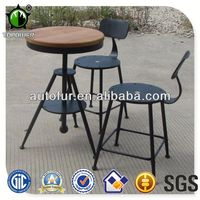 Europe Design Metal Frame Wooden Table and Chairs Metal Furniture