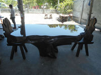 Exotic Design Dining Table Set