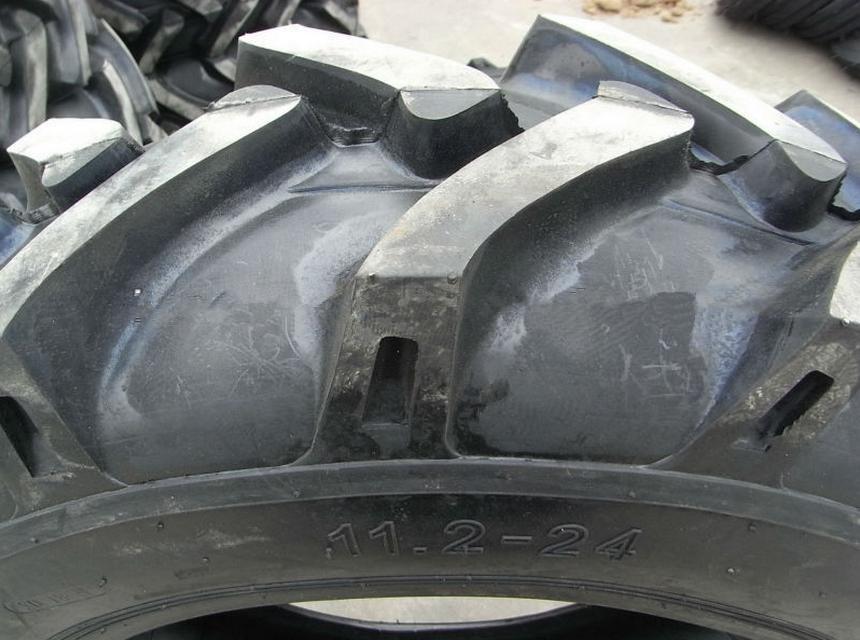 gros pas cher pneus tracteur agricole pneus utilisation agricole pneus 830 20 6pr pneus de. Black Bedroom Furniture Sets. Home Design Ideas