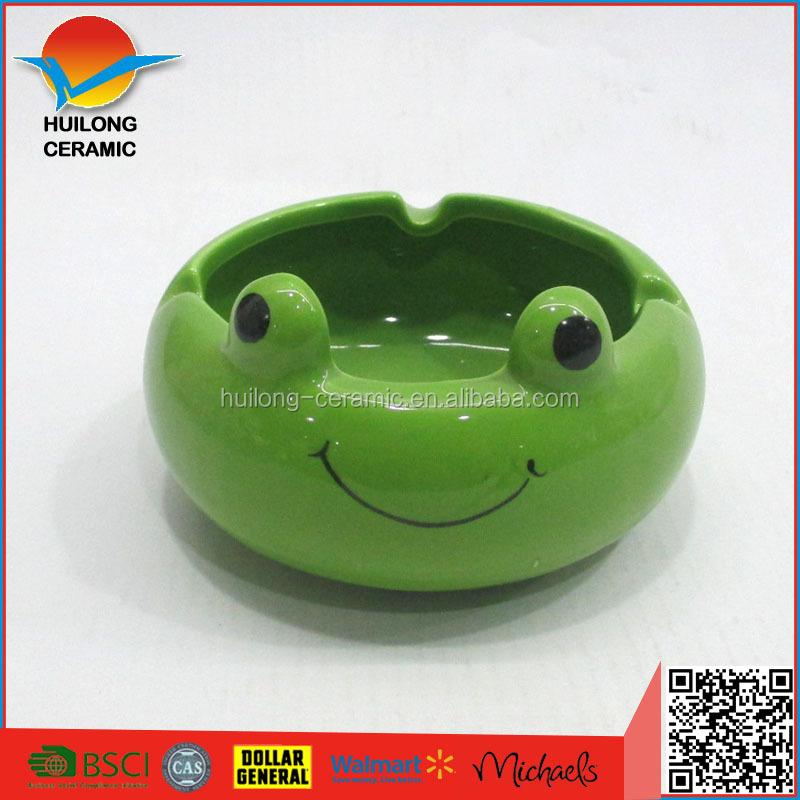 Ceramic modern ashtray design frog shaped wholesale with green color,ceramic animal ashtray