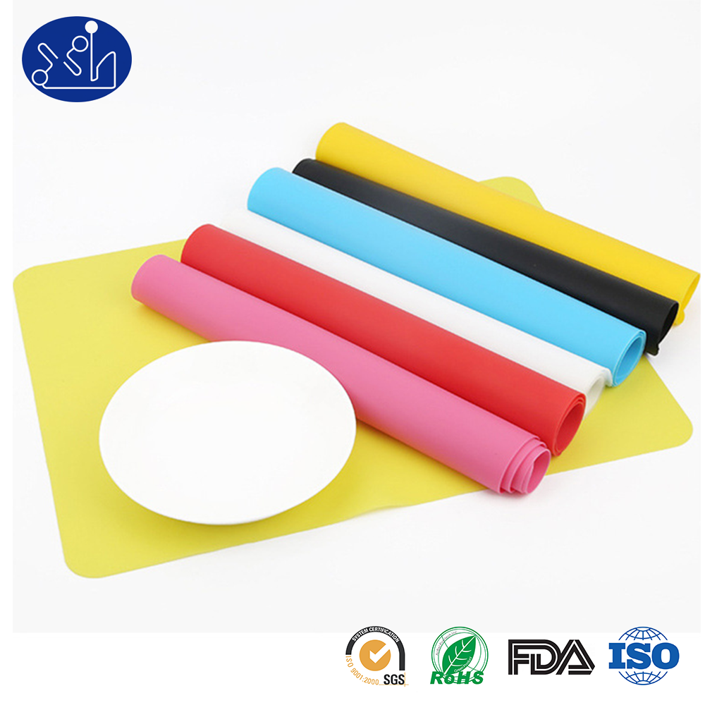 Hot sell FDA food grade heat resistant non-stick silicone mat kitchen dining table mats