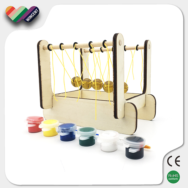 Newton's Cradle Wooden Educational Puzzle