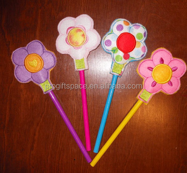 2017 hot sell handmade In The Hoop Felt Flower Pencil Topper Embroidery Machine Design made in China