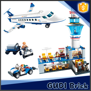 Hot sale 651 pcs educational airport bricks toy for kid