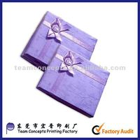 Small decorative padded jewelry paper gift box