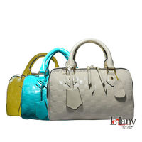 Good quality stock genuine leather handbag for lady with attractive price