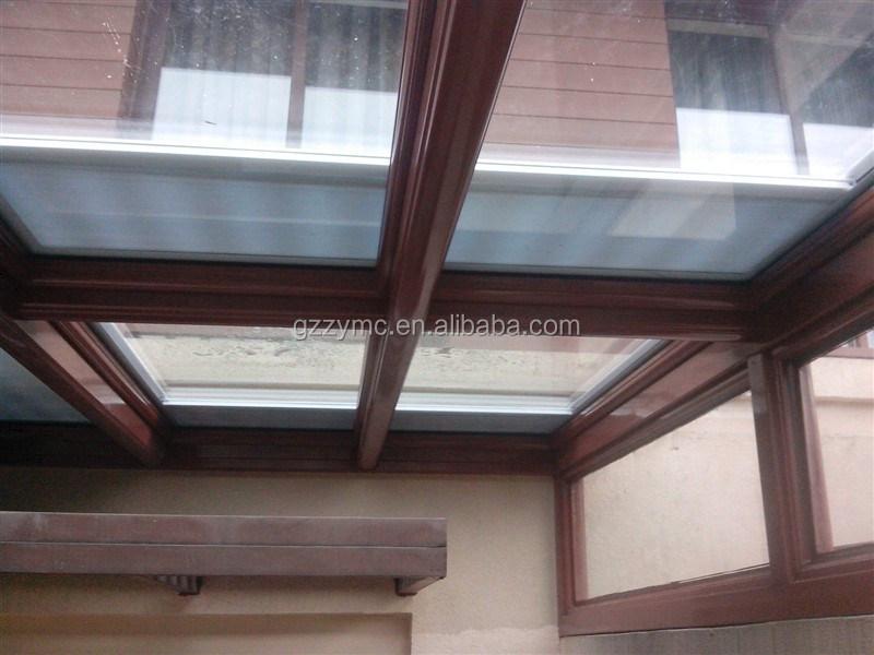 Tetto lucernario lucernario elettrico lucernario for Lucernario tetto elettrico