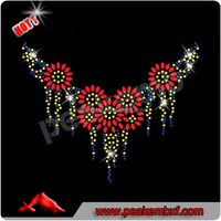 Wholesale Bling Iron on Neckline Nailhead Rhinestone Tranfer Wholesale Sewing Accessories