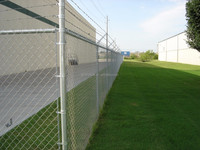 New design high quality chain link fence top barbed wire