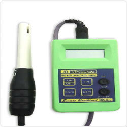pH and chlorine Swimming pool water tester